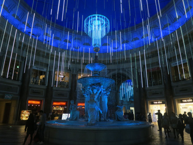 In the month of December, the Venusfort mall hos some excellent Iluminations