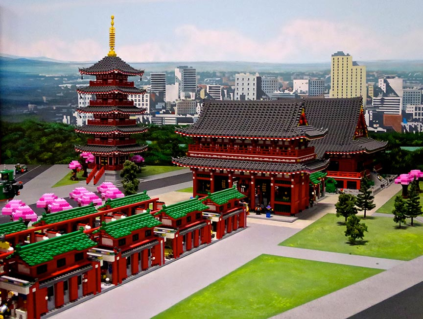 The trees in the Legoland model of Senso-ji temple change color with the seasons.