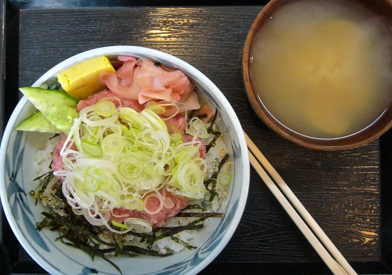 TsukijiBreakfast
