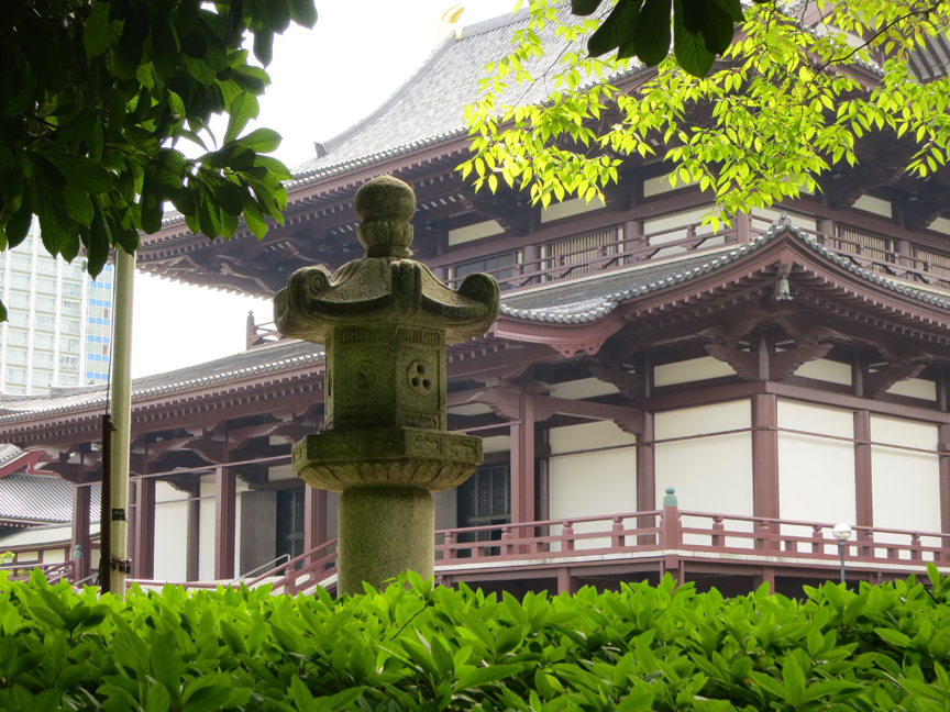 No fewer than seven Tokygawa shoguns are buried in the private graveyard at this magnificent temple.