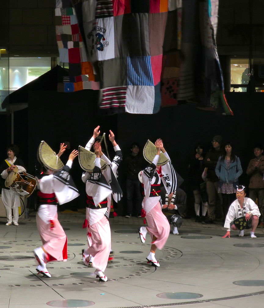 Once a year, in April, the Mori Museum hosts an all-night artfest called Roppongi Art Night.