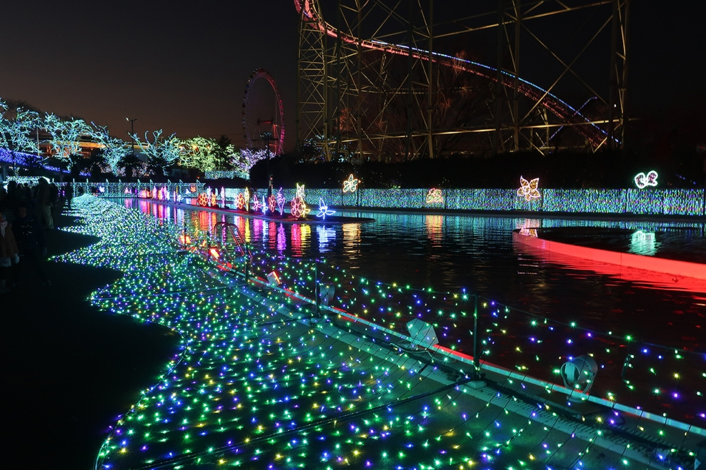Nighttime illuminations at Yomiuriland