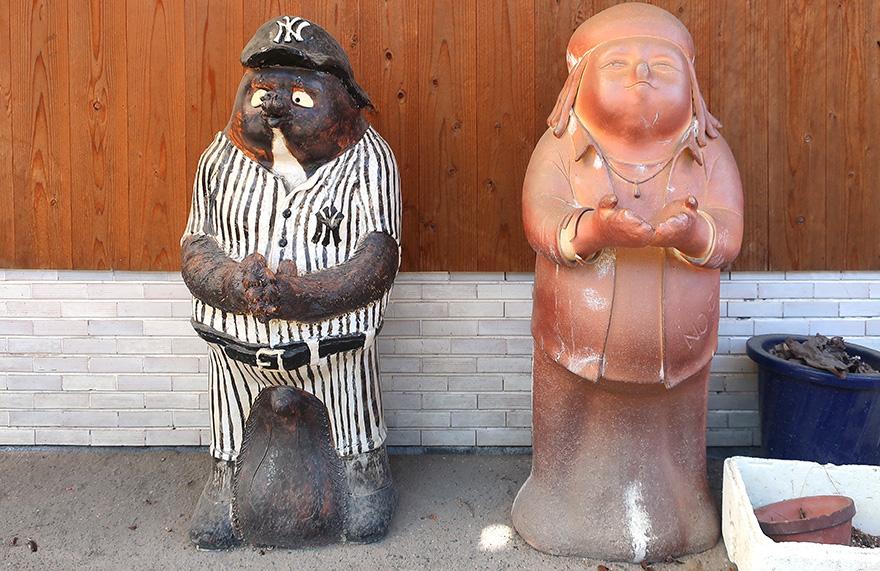 Tanuki figures in Shigaraki